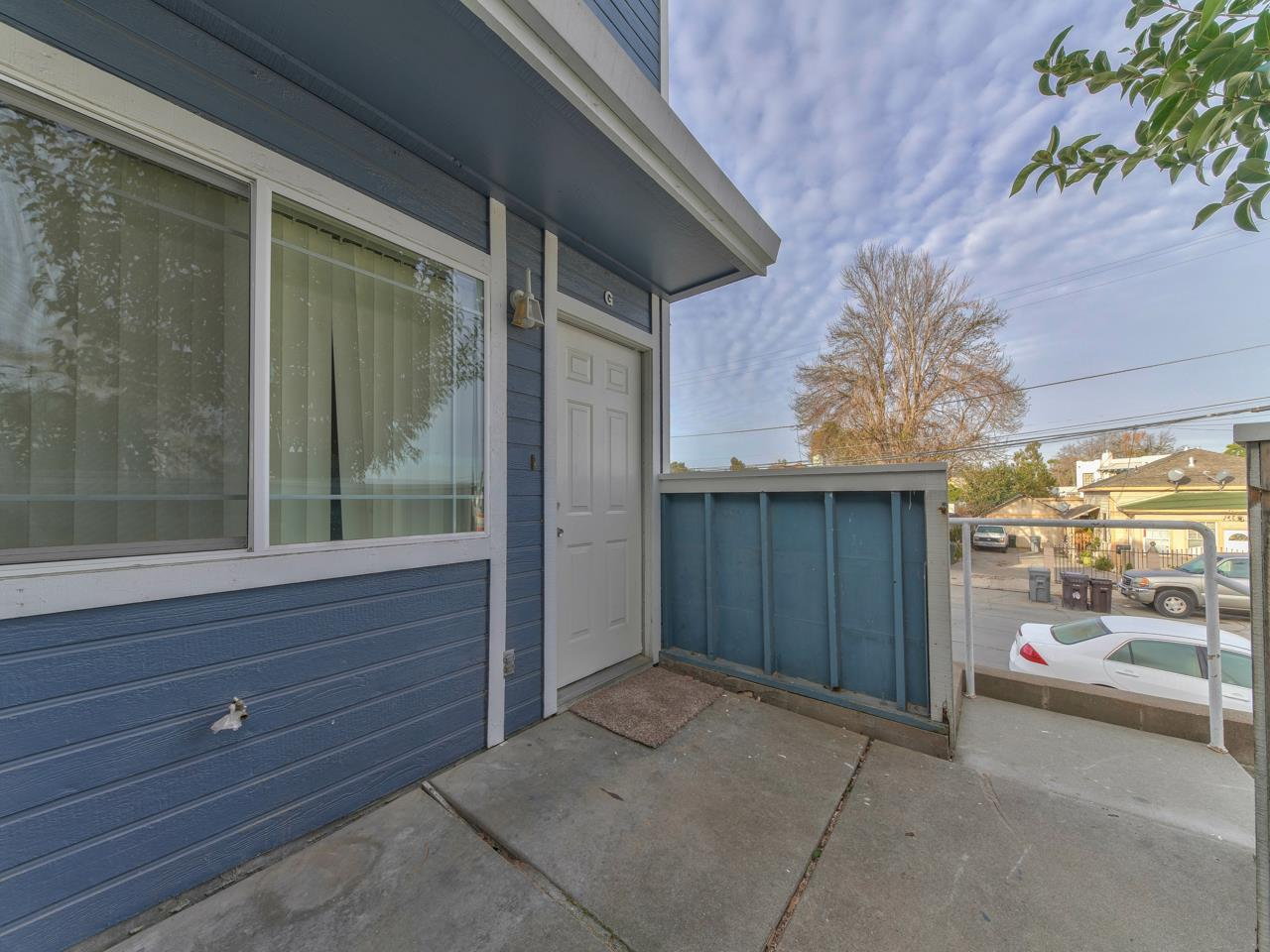 Detail Gallery Image 1 of 1 For 150 N Madeira Ave #G,  Salinas,  CA 93905 - 2 Beds | 1/1 Baths