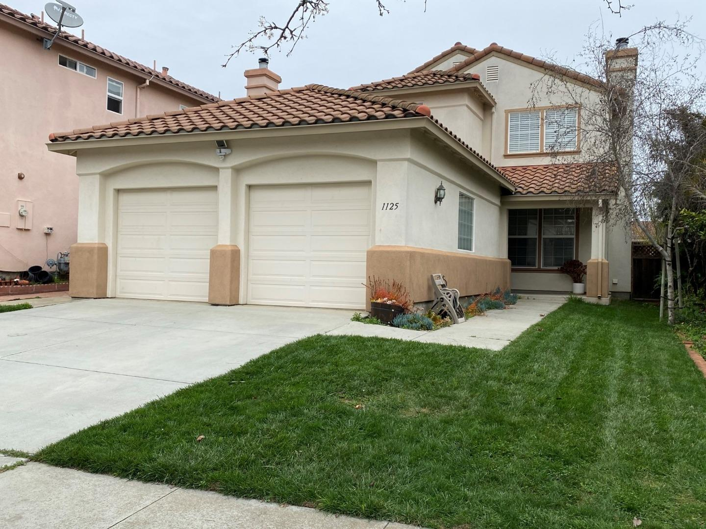 Detail Gallery Image 1 of 1 For 1125 Cobblestone St, Salinas,  CA 93905 - 3 Beds | 2 Baths