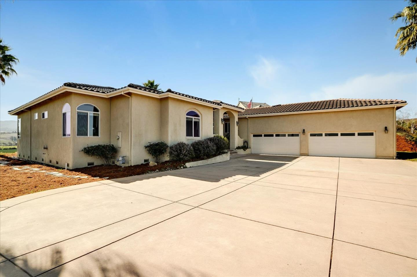 Detail Gallery Image 1 of 86 For 731 Union Hts, Hollister,  CA 95023 - 4 Beds   2/1 Baths