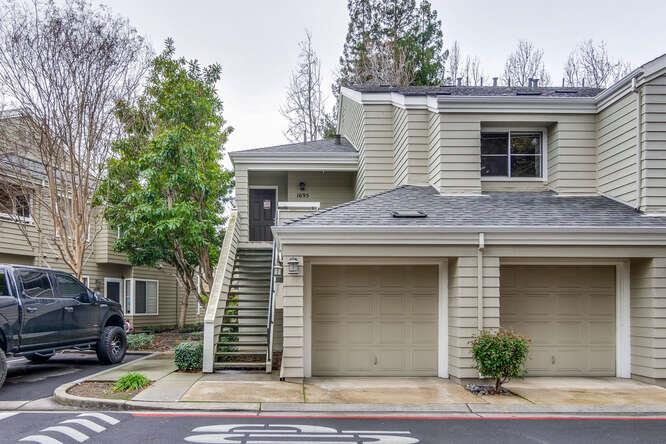 Detail Gallery Image 1 of 42 For 1695 Parkview Green Cir, San Jose,  CA 95131 - 2 Beds | 2 Baths
