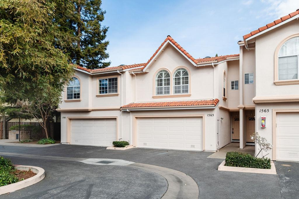 Detail Gallery Image 1 of 1 For 1563 Oxford St, Redwood City,  CA 94061 - 3 Beds | 2/1 Baths