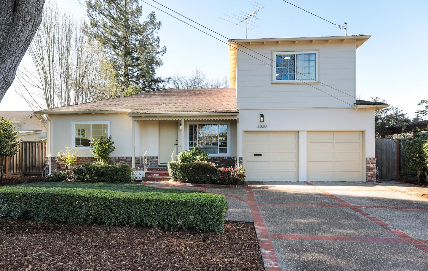 Detail Gallery Image 1 of 1 For 2830 Ross Rd, Palo Alto,  CA 94303 - 4 Beds | 2 Baths