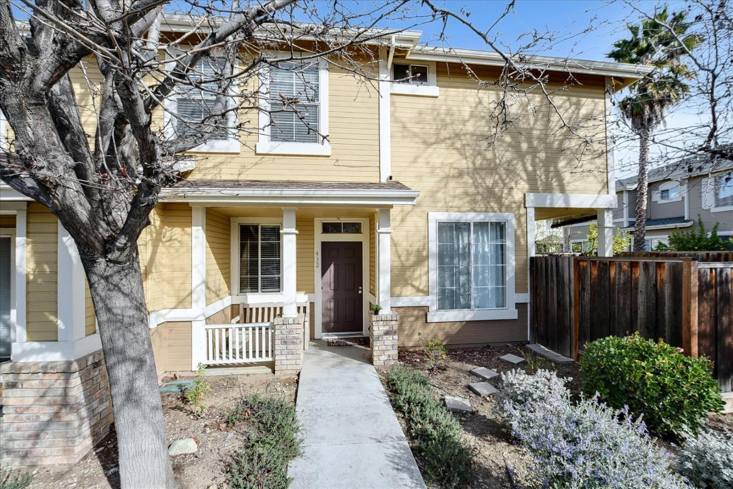 Detail Gallery Image 1 of 1 For 432 Curraghmore Ct, San Jose,  CA 95136 - 3 Beds | 2/1 Baths