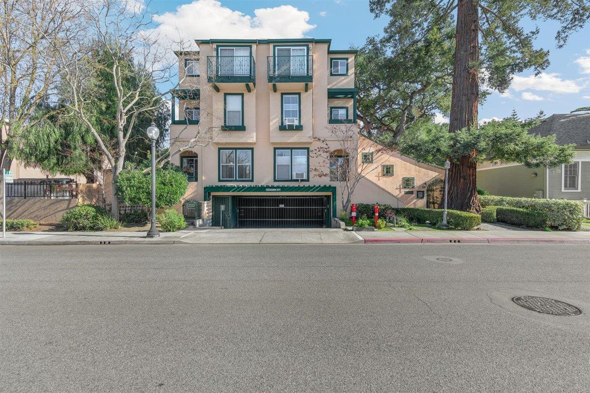 Detail Gallery Image 1 of 1 For 389 Hope St, Mountain View,  CA 94041 - 2 Beds | 2/1 Baths