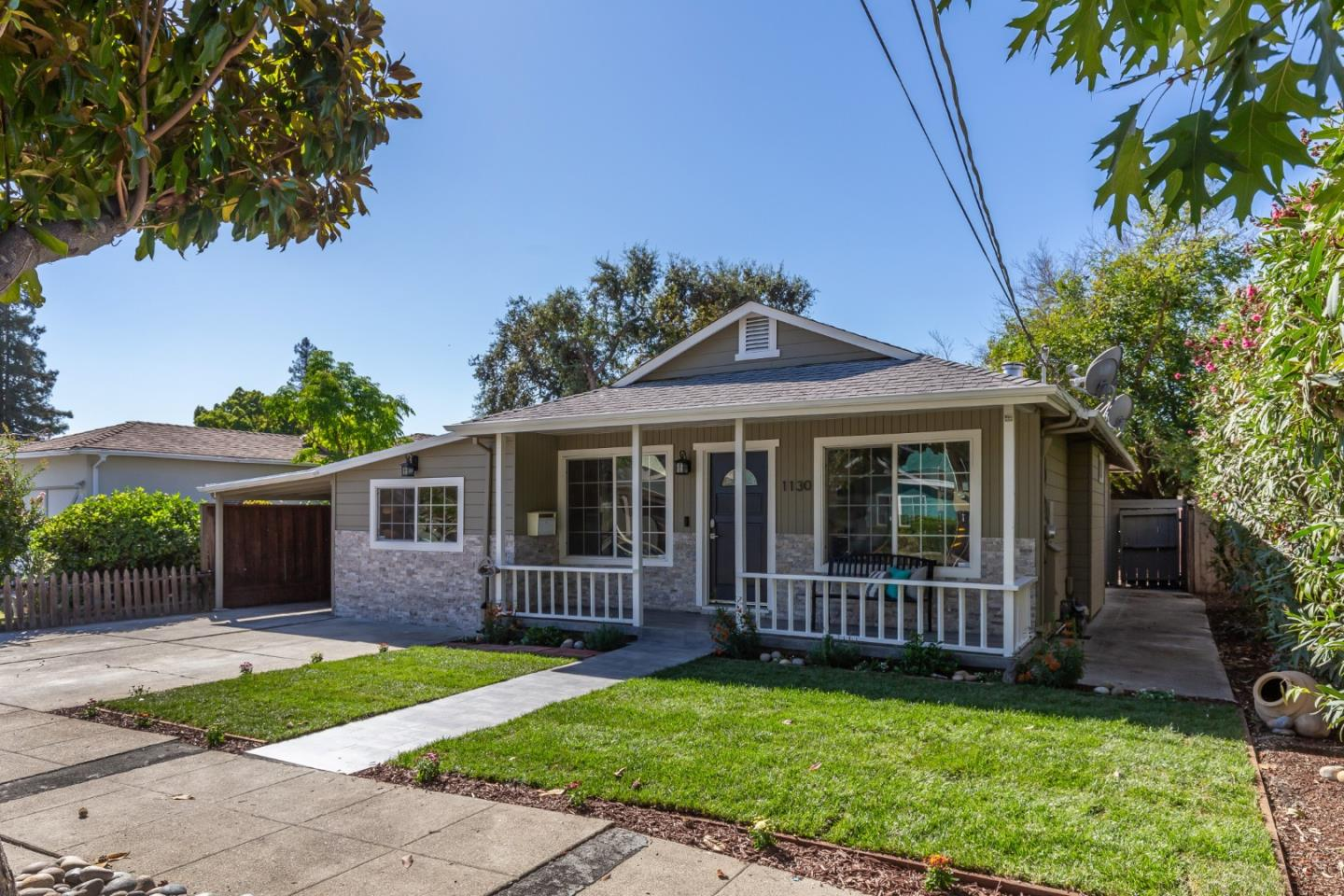 Detail Gallery Image 1 of 1 For 1130 Saint Francis St, Redwood City,  CA 94061 - 3 Beds | 2 Baths