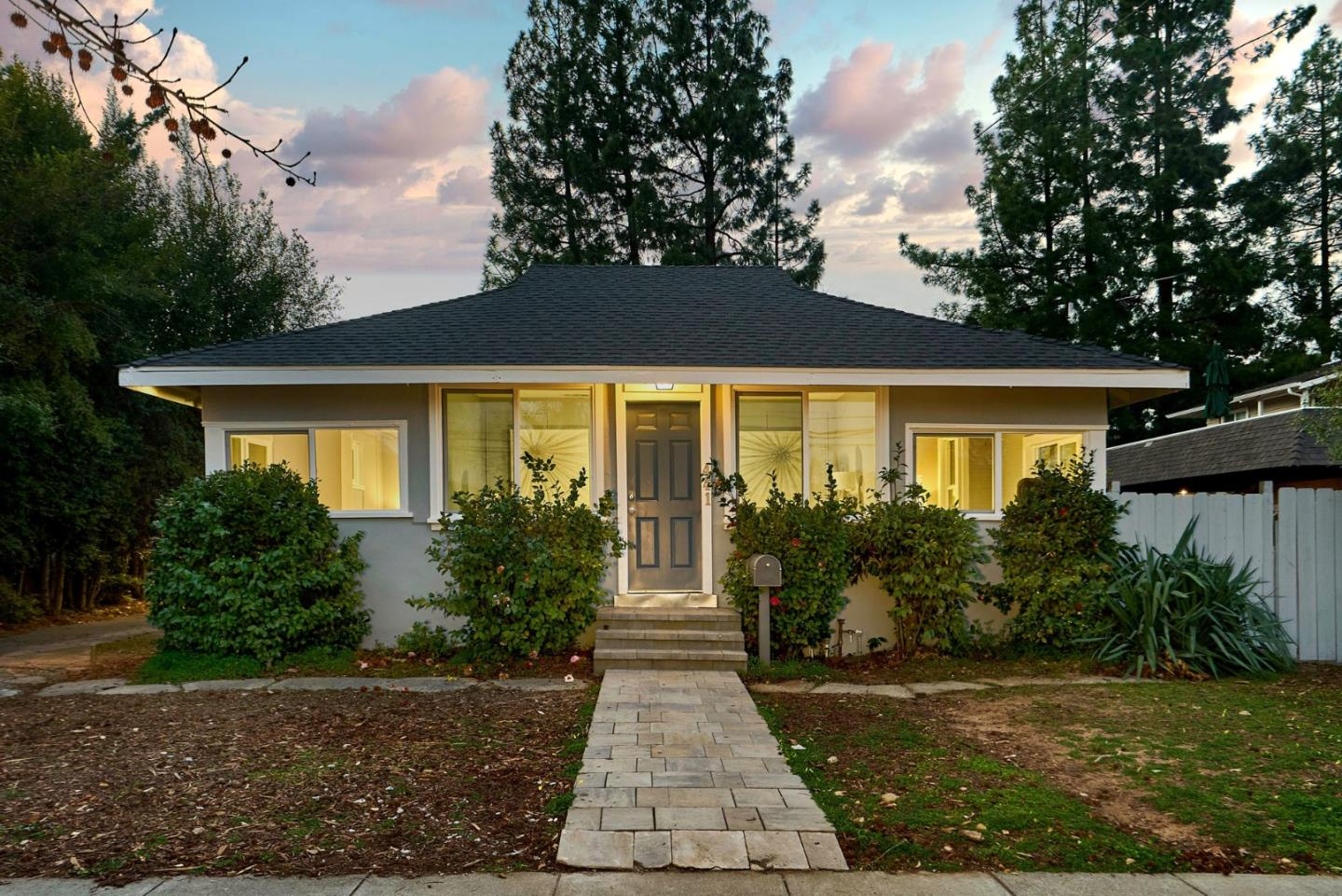 Detail Gallery Image 1 of 1 For 441 University Ave, Los Gatos,  CA 95032 - 2 Beds | 1 Baths