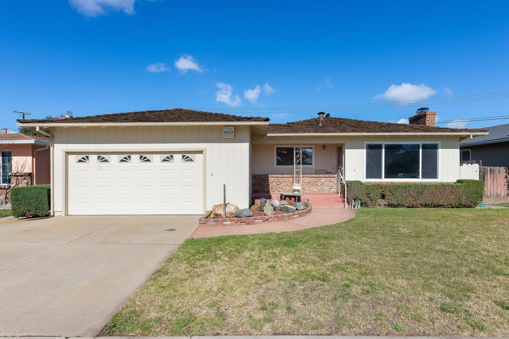 Detail Gallery Image 1 of 1 For 1175 Granada Ave, Salinas,  CA 93906 - 3 Beds | 2 Baths