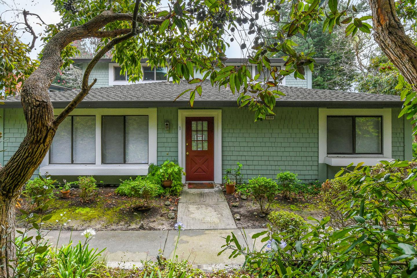 Detail Gallery Image 1 of 1 For 1126 Sutherland Ln #1,  Capitola,  CA 95010 - 2 Beds | 1 Baths
