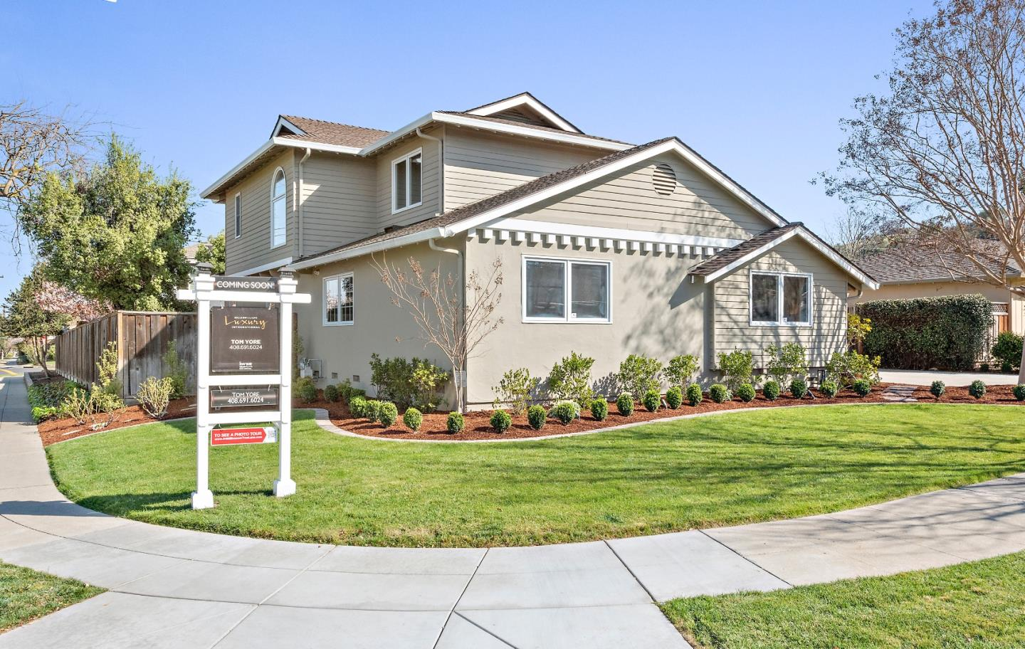 Photo of 5460 Blossom Tree LN, SAN JOSE, CA 95124