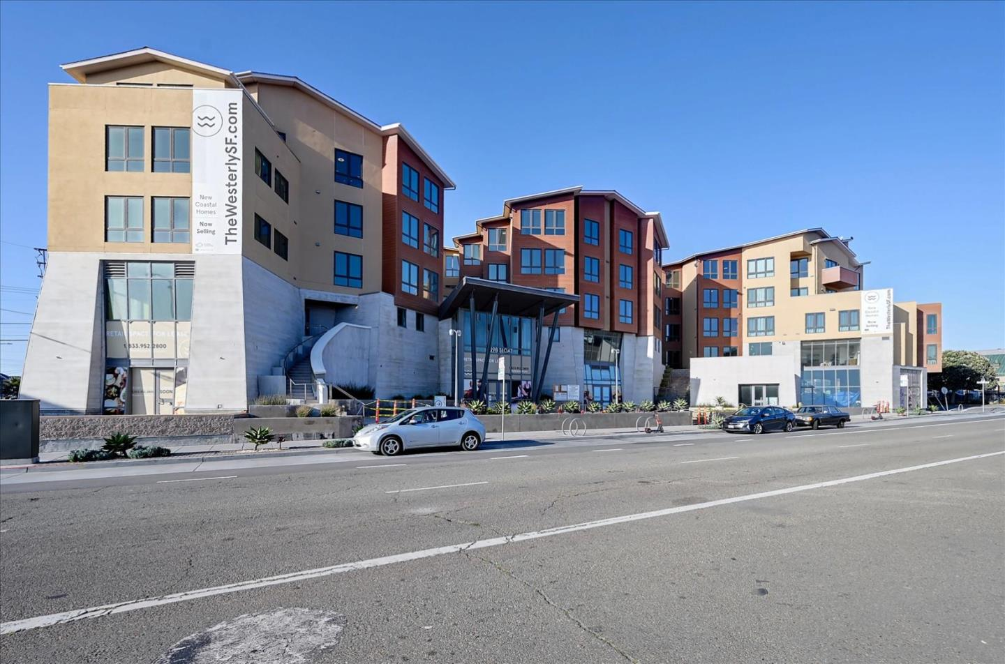 Detail Gallery Image 1 of 37 For 3535 Wawona St #236,  San Francisco,  CA 94116 - 2 Beds | 1 Baths
