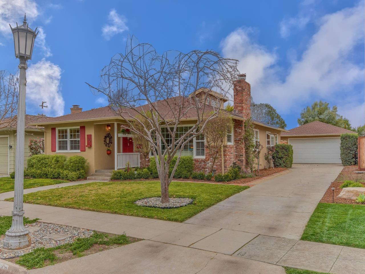 Detail Gallery Image 1 of 1 For 149 Grove St, Salinas,  CA 93901 - 3 Beds   2/1 Baths