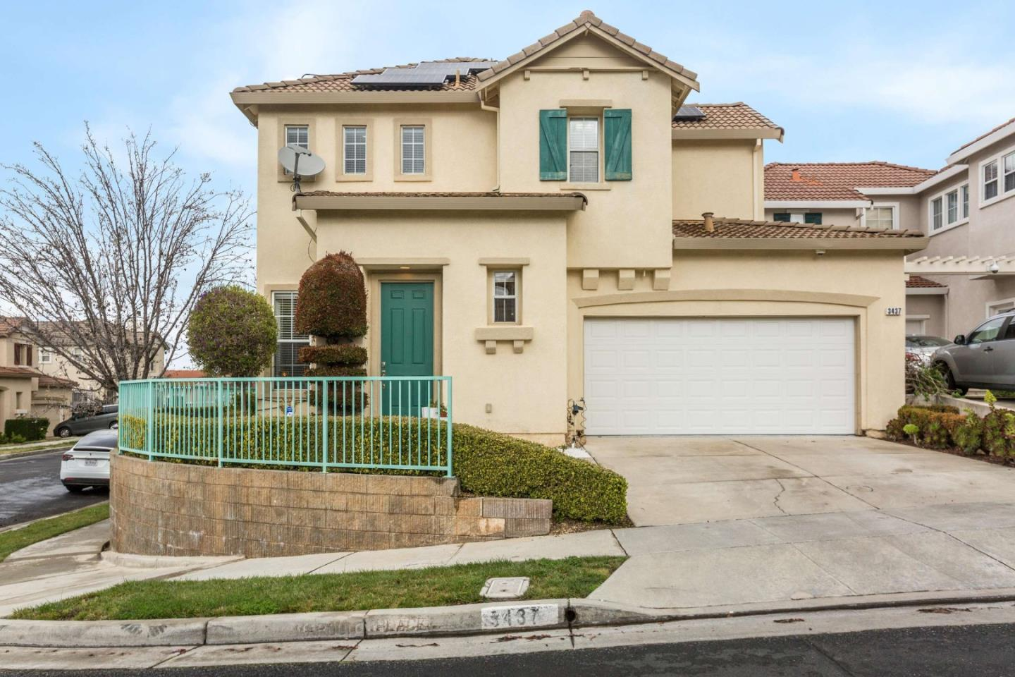 Detail Gallery Image 1 of 34 For 3437 Maroun Pl, San Jose,  CA 95148 - 3 Beds | 2/1 Baths