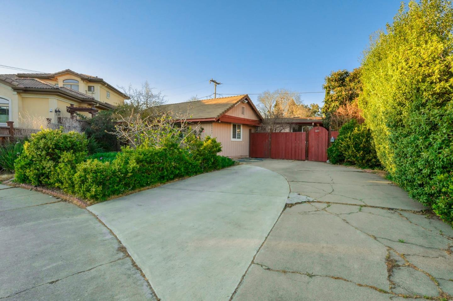 Detail Gallery Image 1 of 1 For 18645 Ralya Ct, Cupertino,  CA 95014 - 3 Beds | 2 Baths