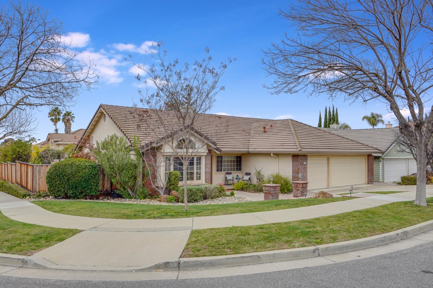 Detail Gallery Image 1 of 1 For 4286 Littleworth Way, San Jose,  CA 95135 - 4 Beds | 2 Baths