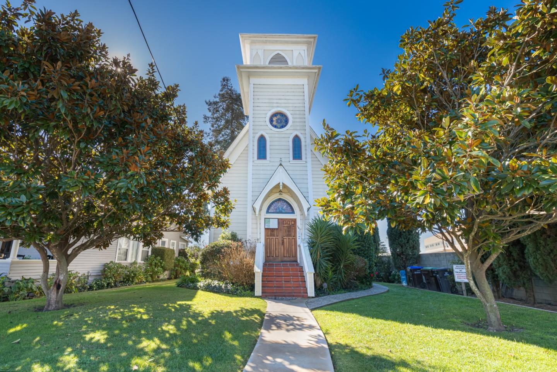 Detail Gallery Image 1 of 26 For 157 Van Ness Ave, Santa Cruz,  CA 95060 - 4 Beds | 2/1 Baths