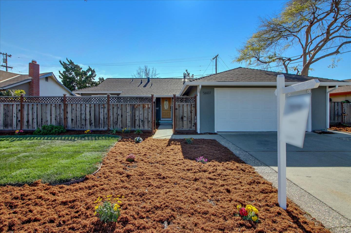 Detail Gallery Image 1 of 1 For 5607 Meridian Ave, San Jose,  CA 95118 - 3 Beds | 2 Baths