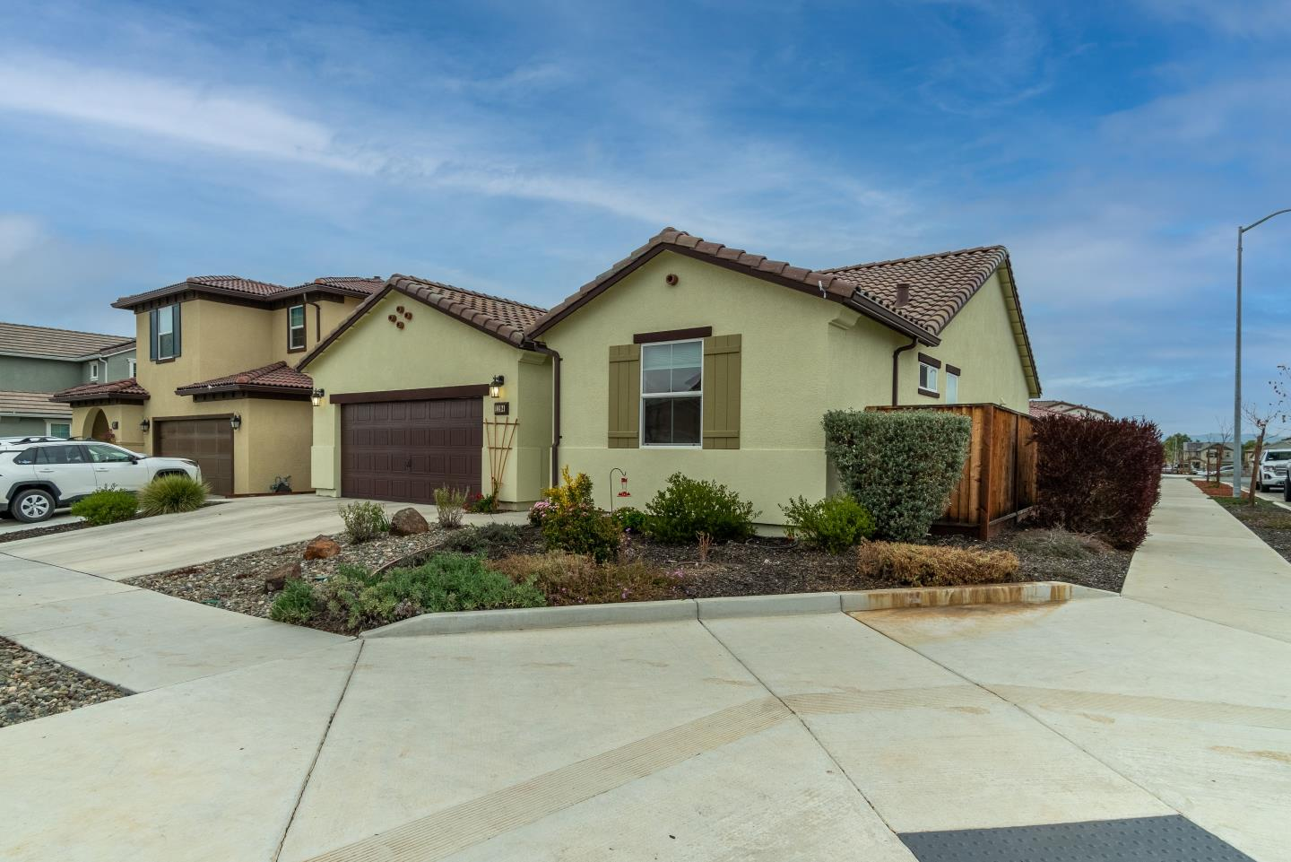 Detail Gallery Image 1 of 1 For 1194 Cabrillo Dr, Hollister,  CA 95023 - 3 Beds | 2 Baths