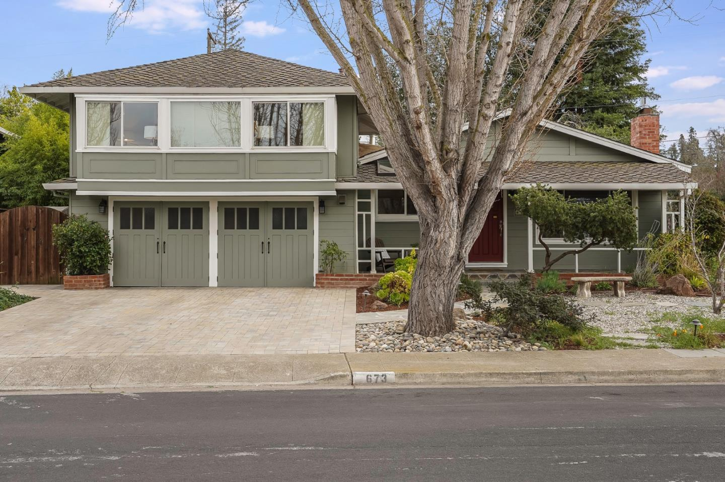 Detail Gallery Image 1 of 1 For 673 Leona Ln, Mountain View,  CA 94040 - 4 Beds   3 Baths