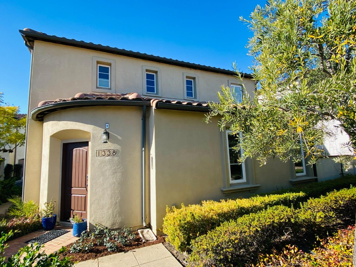 Detail Gallery Image 1 of 1 For 1338 Las Casitas Ct, San Jose,  CA 95126 - 3 Beds | 2/1 Baths