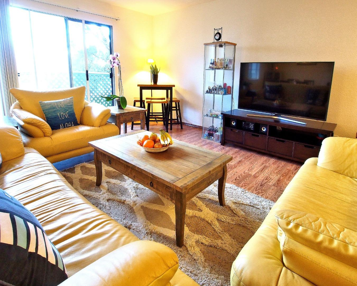 Detail Gallery Image 1 of 19 For 1024 San Luis Cir #622,  Daly City,  CA 94014 - 2 Beds | 1/1 Baths