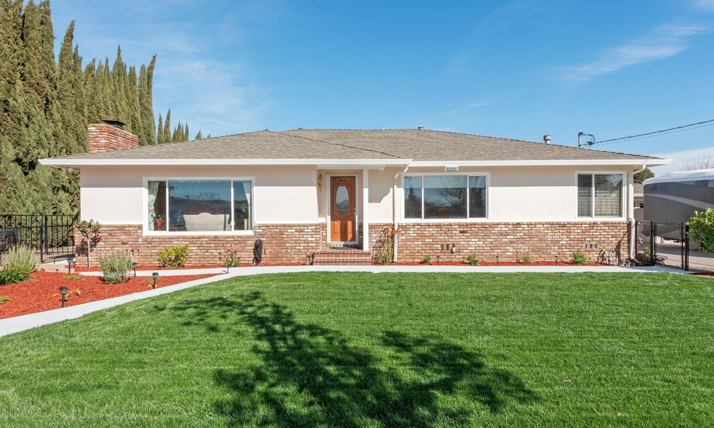 Detail Gallery Image 1 of 29 For 10800 6th St, Gilroy,  CA 95020 - 3 Beds | 1/1 Baths