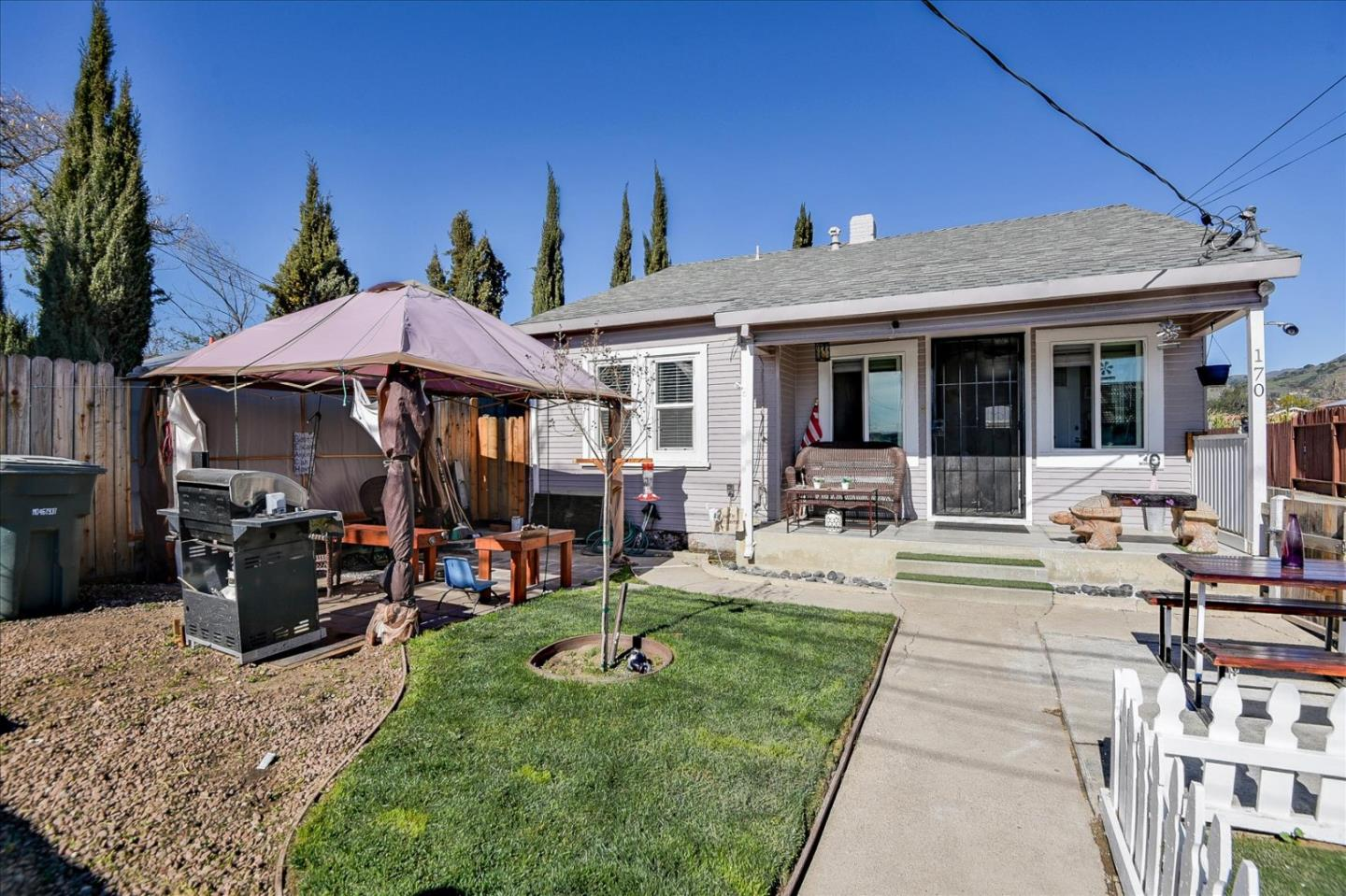 Detail Gallery Image 1 of 43 For 170 Pickford Ave, San Jose,  CA 95127 - 4 Beds   2 Baths