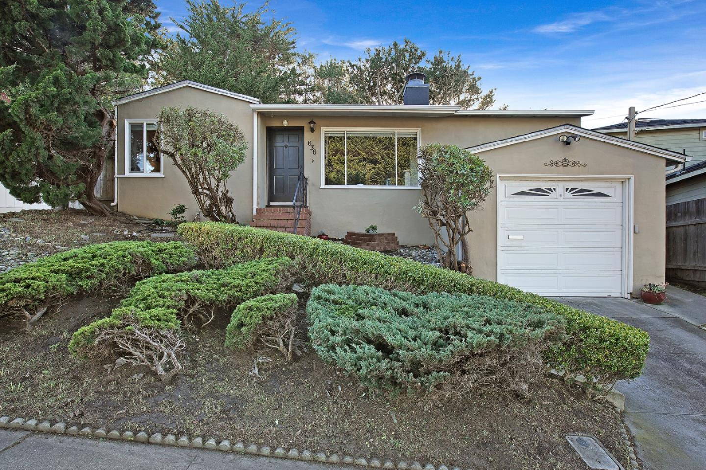 Detail Gallery Image 1 of 1 For 636 Edgemar Ave, Pacifica,  CA 94044 - 3 Beds | 1/1 Baths