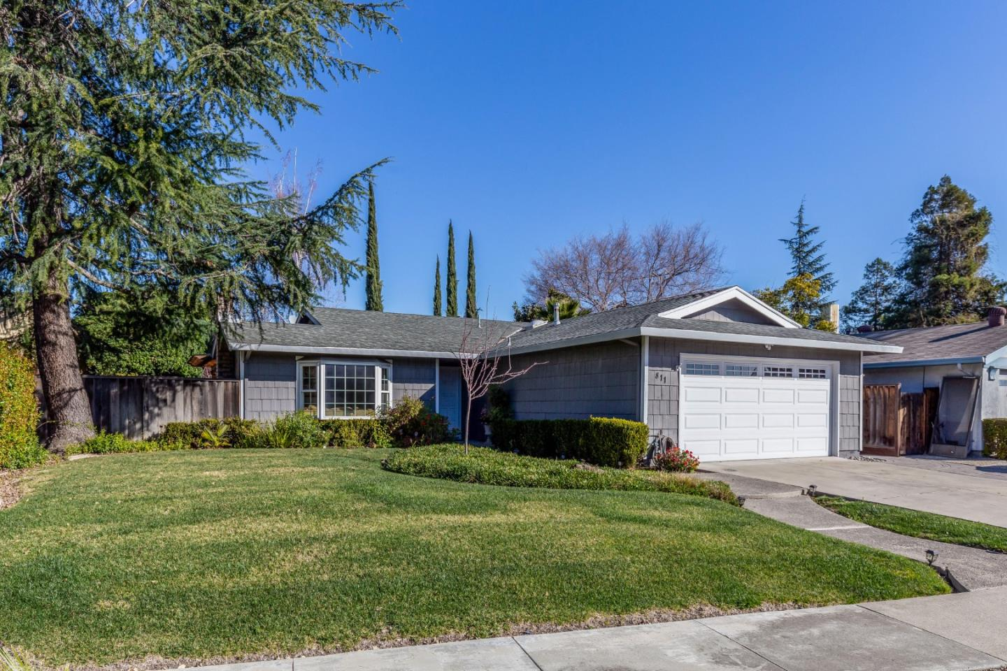 Detail Gallery Image 1 of 1 For 811 Coffey Ct, San Jose,  CA 95123 - 3 Beds | 2 Baths