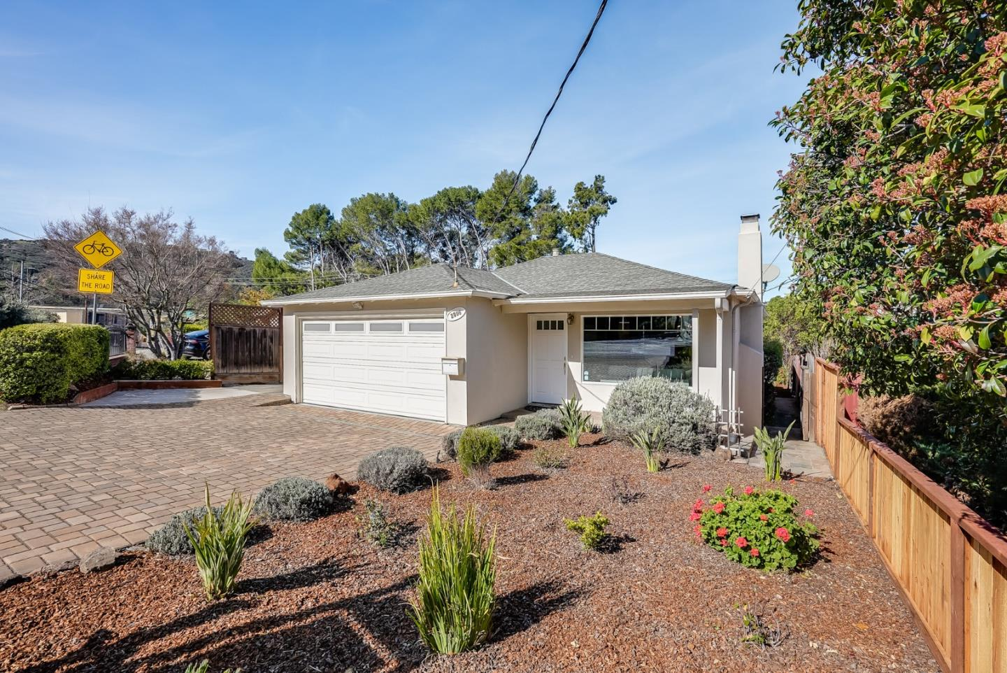 Detail Gallery Image 1 of 1 For 2806 San Carlos Ave, San Carlos,  CA 94070 - 3 Beds | 2 Baths