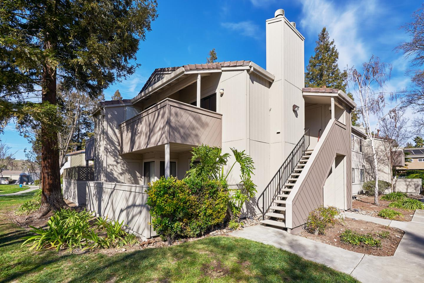 Detail Gallery Image 1 of 1 For 637 Yolo Ct, San Jose,  CA 95136 - 2 Beds | 2 Baths