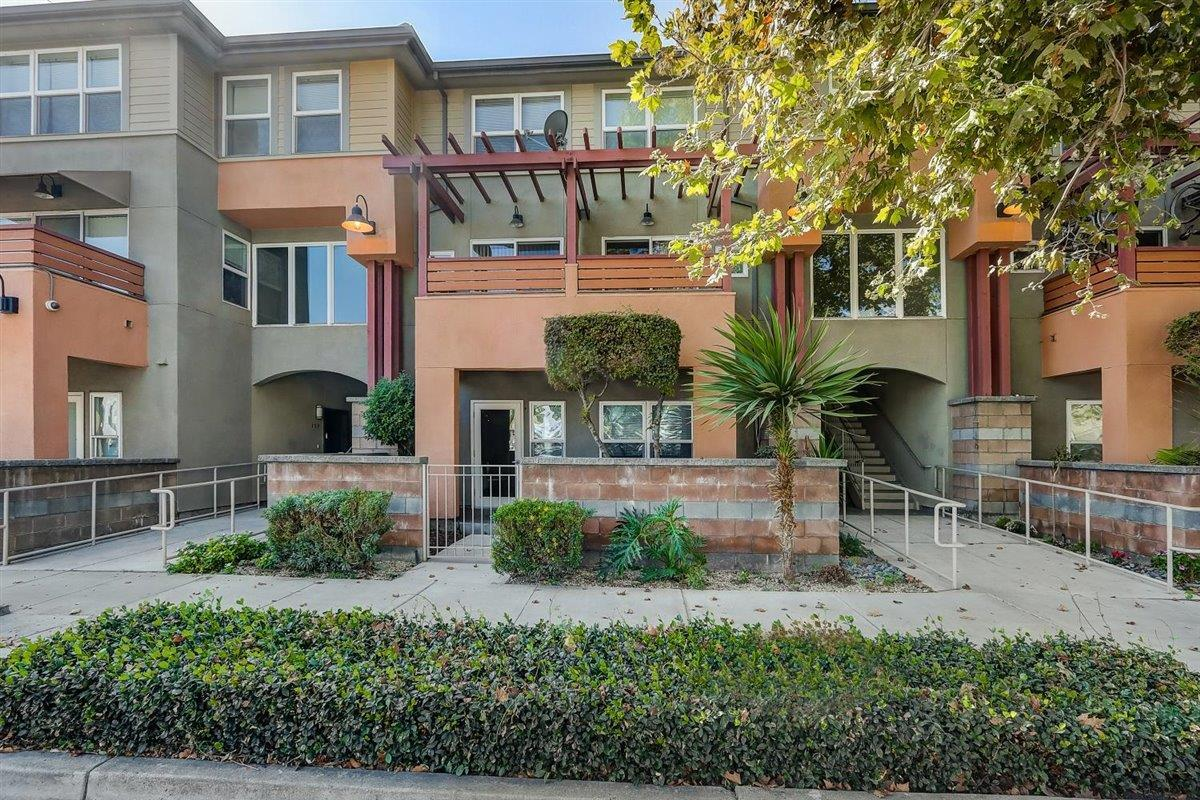 Detail Gallery Image 1 of 27 For 1421 N 1st St #156,  San Jose,  CA 95112 - 1 Beds | 1 Baths