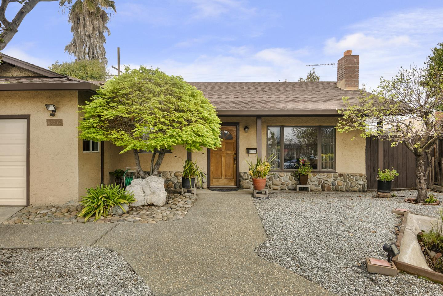 Detail Gallery Image 1 of 17 For 10050 Griffith St, San Jose,  CA 95127 - 3 Beds   2 Baths