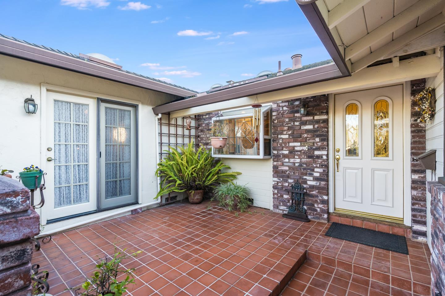 Detail Gallery Image 1 of 34 For 4474 Hilton Ave, San Jose,  CA 95130 - 4 Beds | 2 Baths