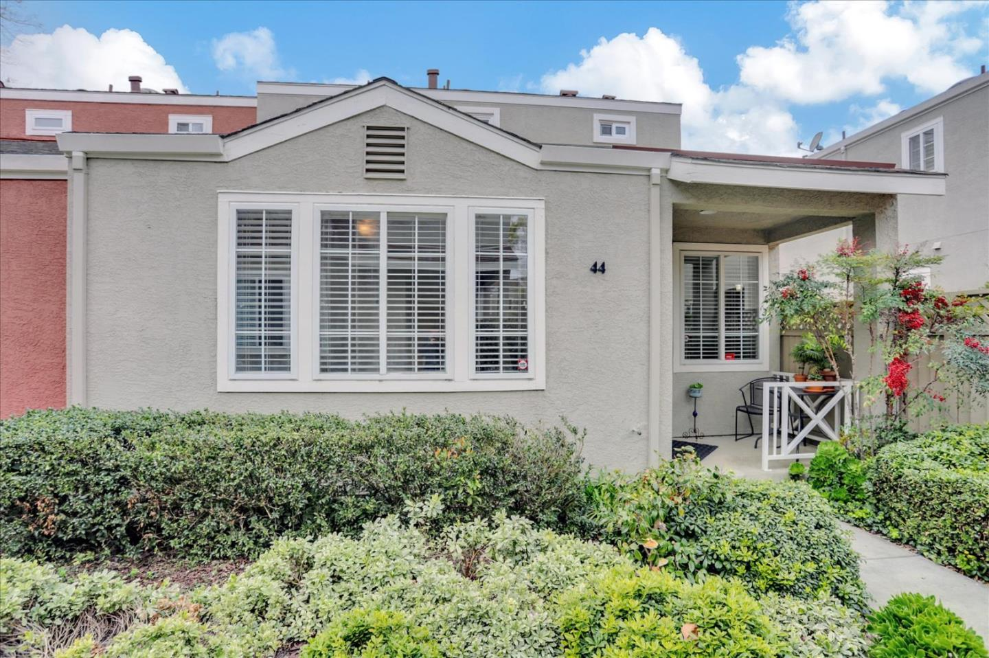 Detail Gallery Image 1 of 1 For 44 S 23rd St, San Jose,  CA 95116 - 2 Beds | 2/1 Baths
