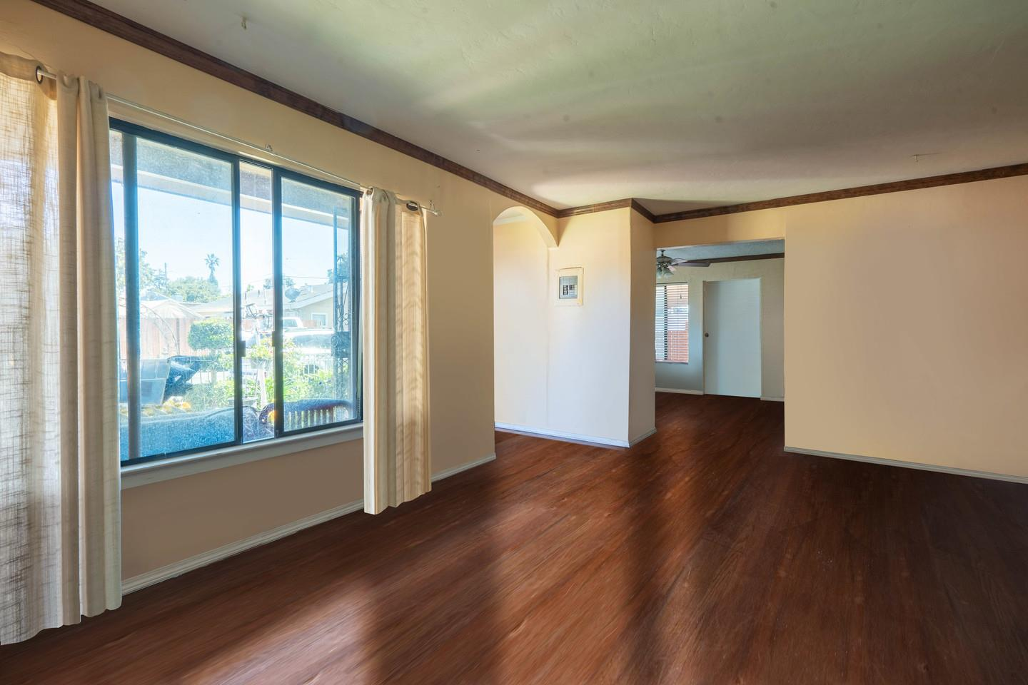 Detail Gallery Image 1 of 12 For 2395 Dumbarton Ave, East Palo Alto,  CA 94303 - 3 Beds | 2 Baths