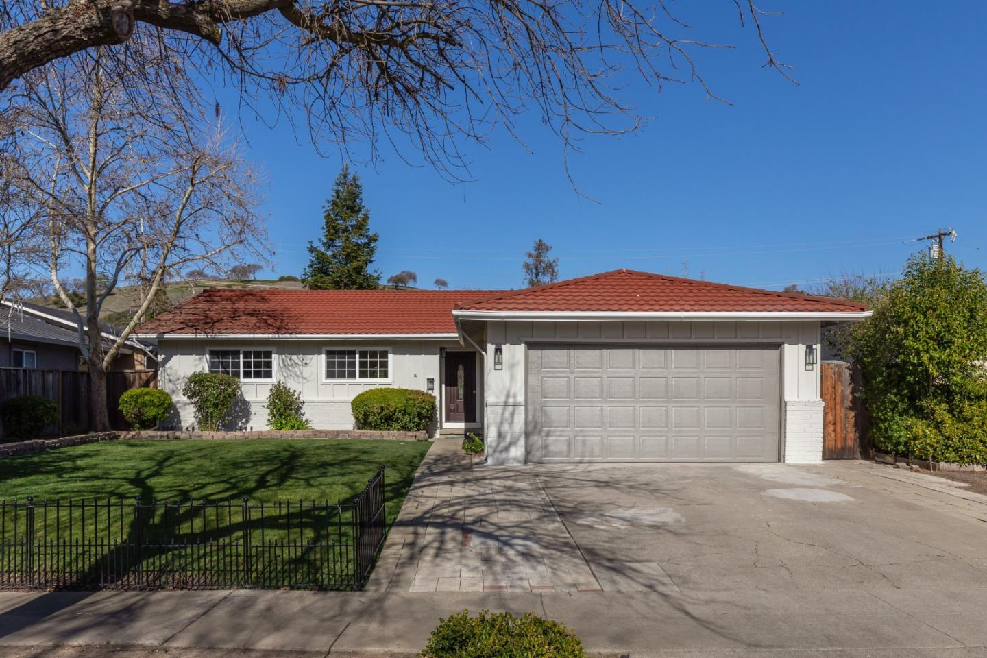 Detail Gallery Image 1 of 1 For 1061 Wallace Dr, San Jose,  CA 95120 - 3 Beds | 2 Baths