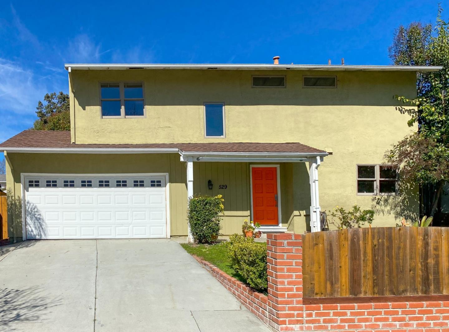 Detail Gallery Image 1 of 16 For 529 Crosslees Dr, San Jose,  CA 95111 - 4 Beds | 2/1 Baths