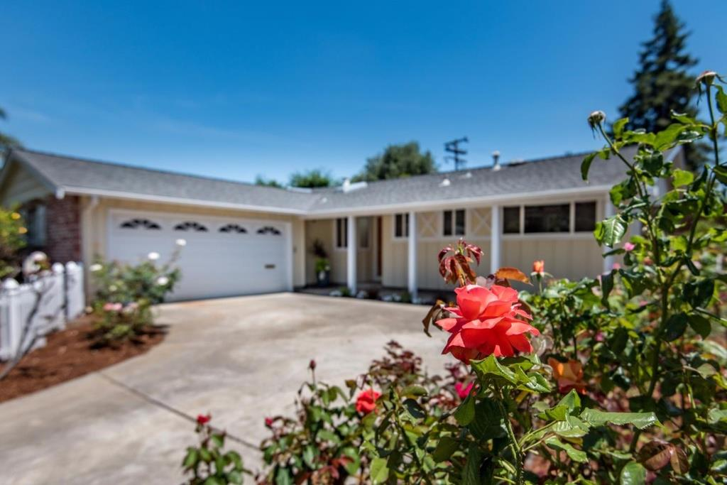 Detail Gallery Image 1 of 28 For 1450 Teal Dr, Sunnyvale,  CA 94087 - 4 Beds   2 Baths