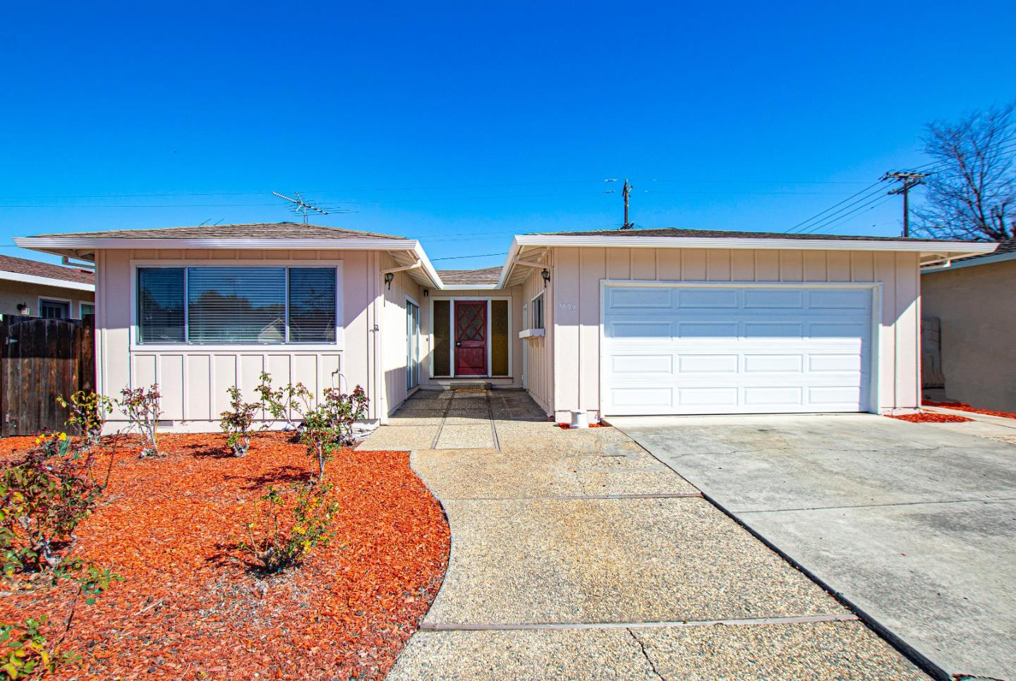 Detail Gallery Image 1 of 1 For 1692 Heron Ave, Sunnyvale,  CA 94087 - 3 Beds | 1/1 Baths