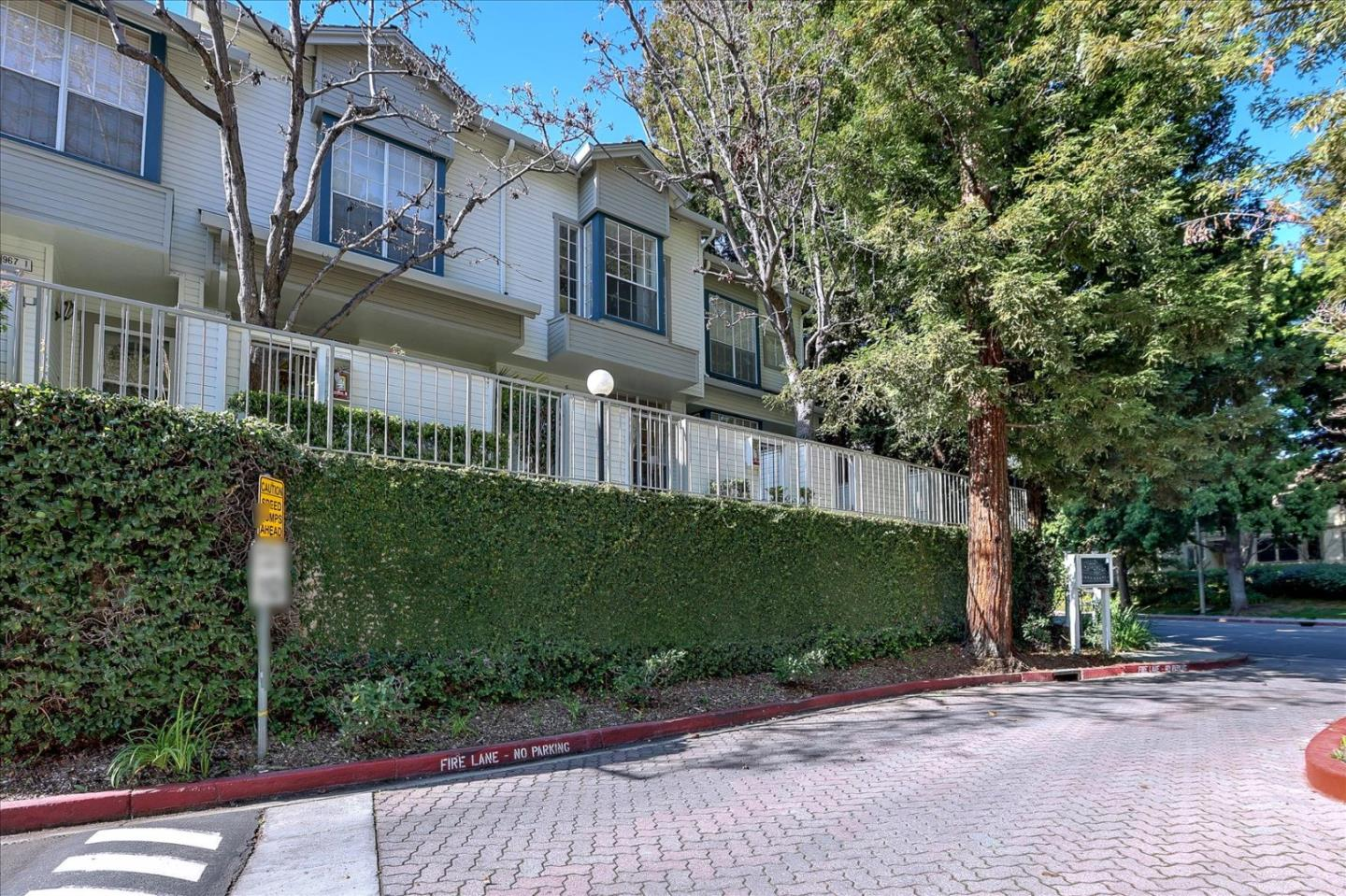 Detail Gallery Image 1 of 1 For 967 Belmont Ter #3,  Sunnyvale,  CA 94086 - 3 Beds   3 Baths