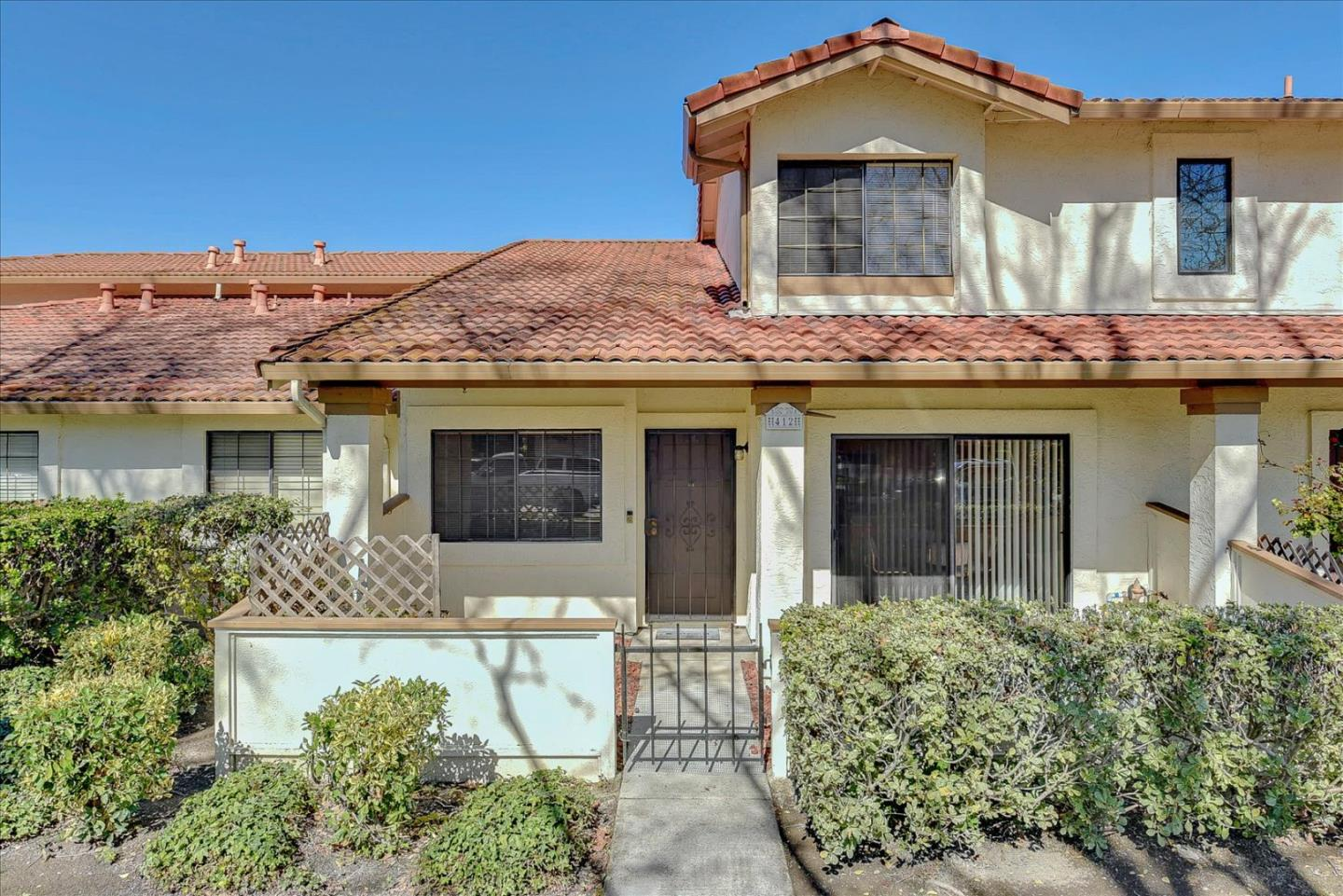 Detail Gallery Image 1 of 1 For 412 Colony Cove Dr, San Jose,  CA 95123 - 3 Beds | 1/1 Baths