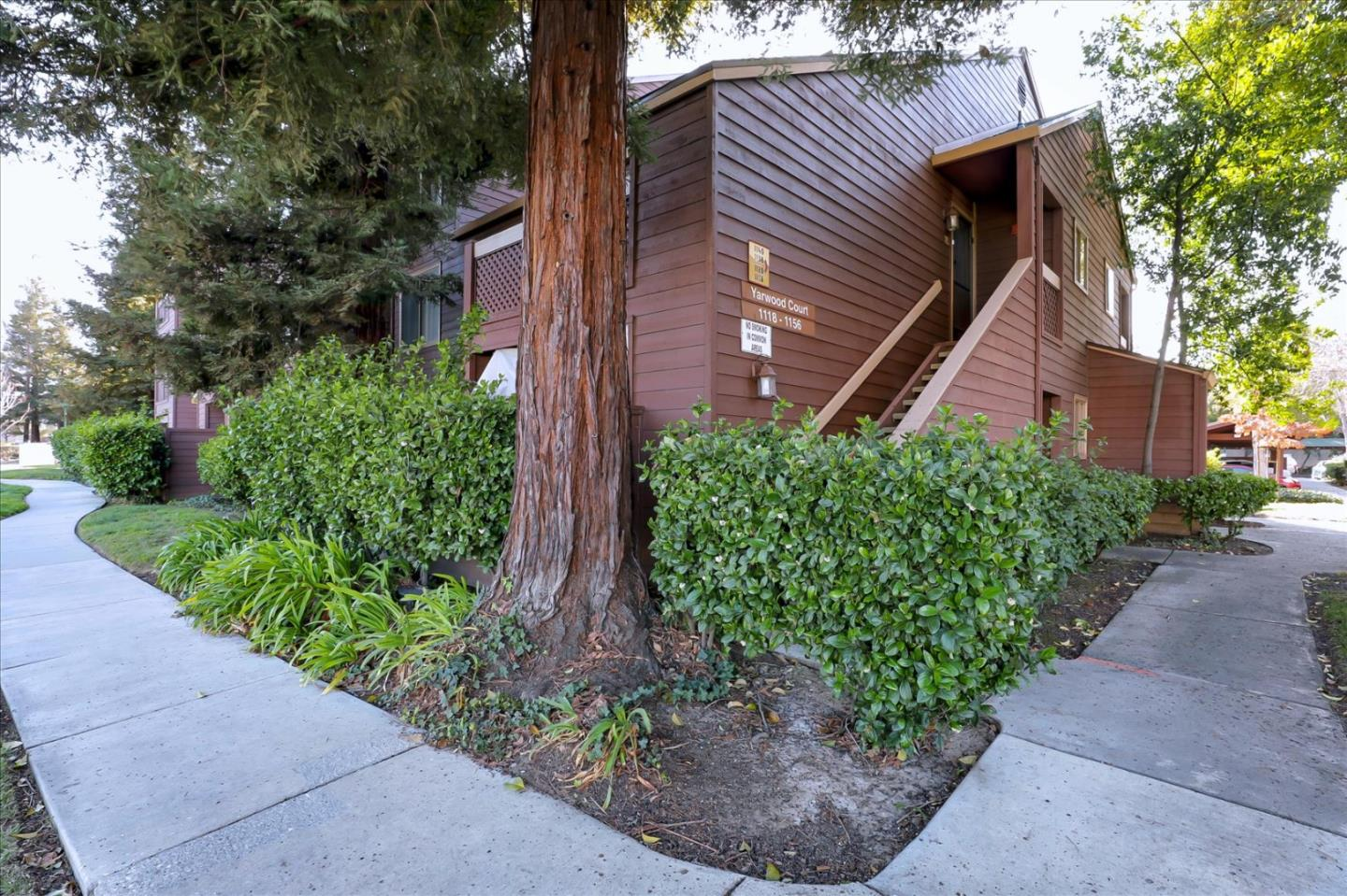 Detail Gallery Image 1 of 1 For 1138 Yarwood Ct, San Jose,  CA 95128 - 1 Beds | 1 Baths