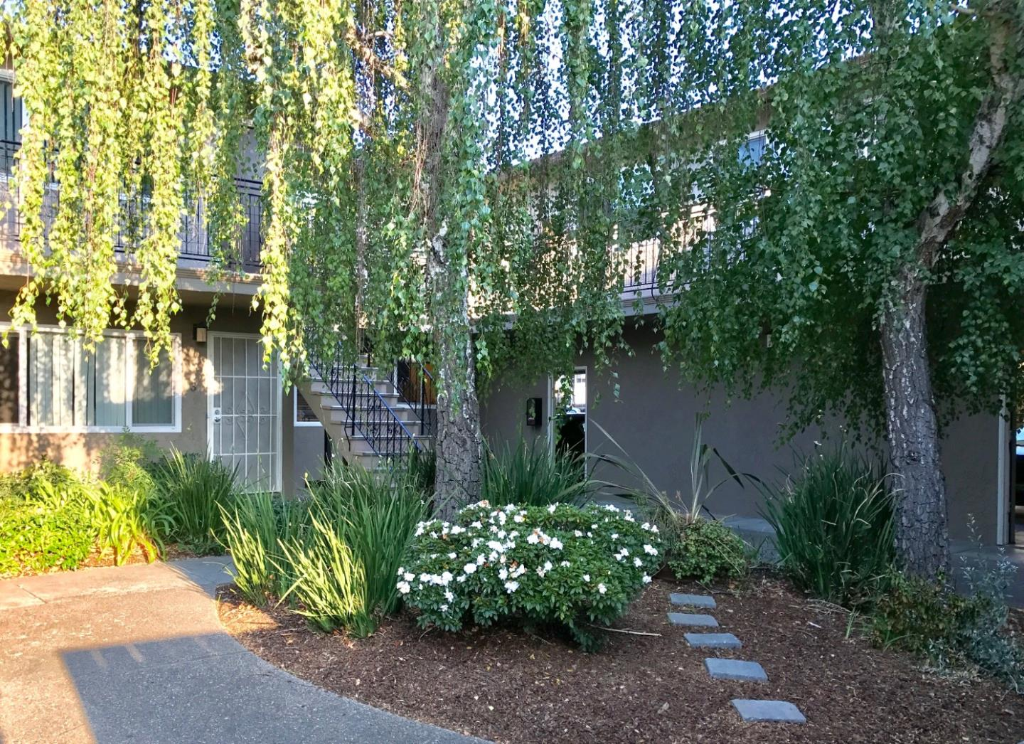 Detail Gallery Image 1 of 1 For 1588 Ontario Dr #3,  Sunnyvale,  CA 94087 - 2 Beds   1 Baths