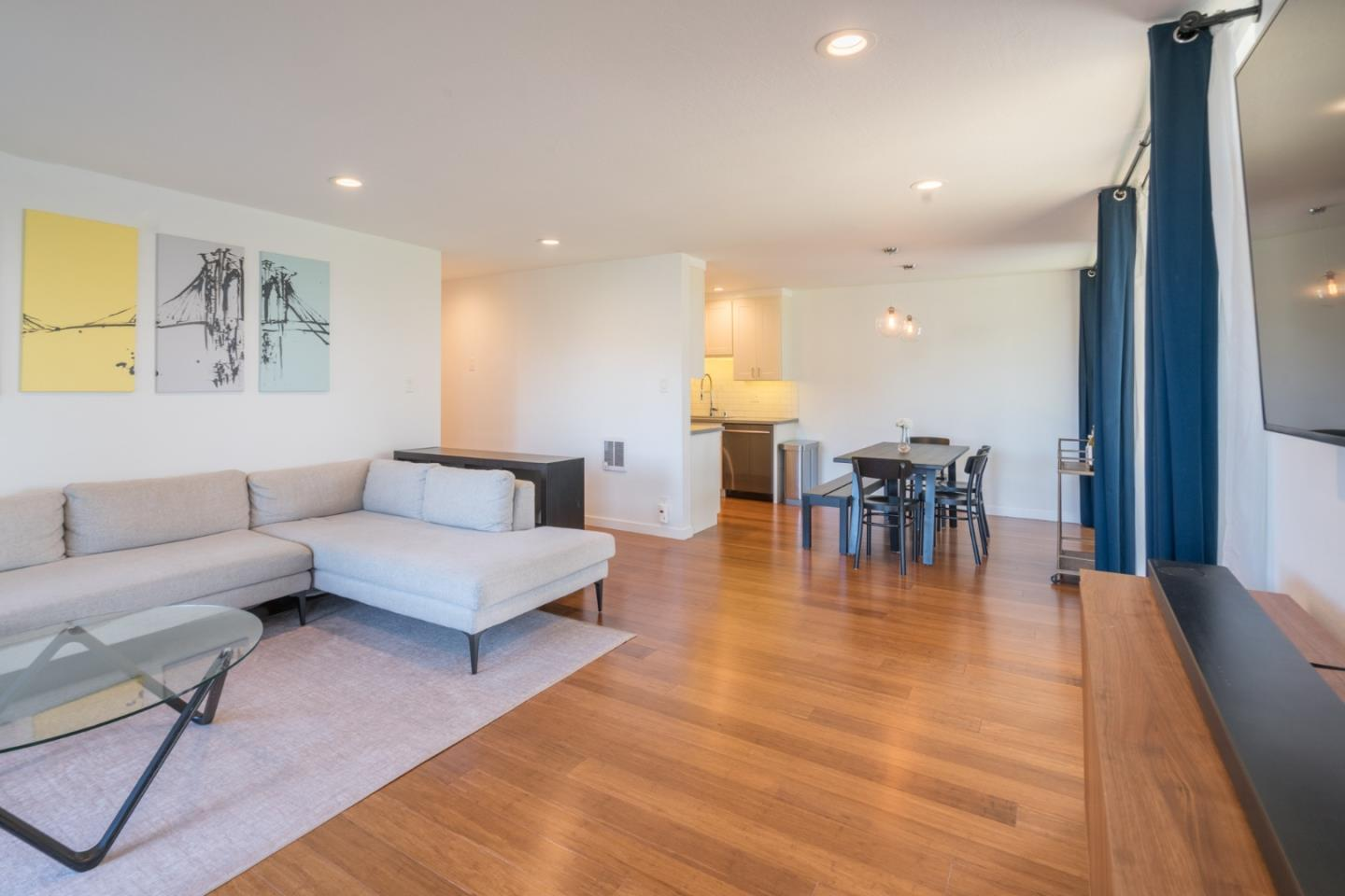Detail Gallery Image 1 of 1 For 1111 Compass Ln #106,  Foster City,  CA 94404 - 2 Beds | 2 Baths