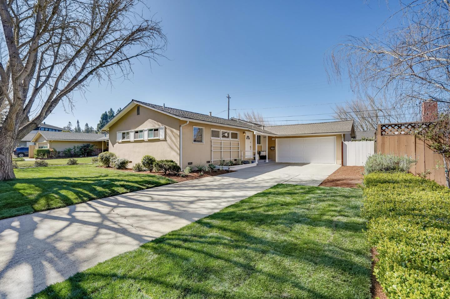 Detail Gallery Image 1 of 21 For 1602 Tyler Park Way, Mountain View,  CA 94040 - 3 Beds   2 Baths