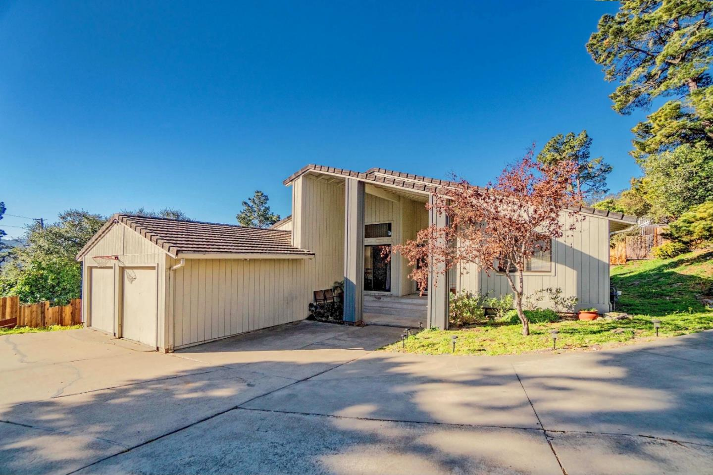 Detail Gallery Image 1 of 27 For 24801 Handley Dr, Carmel,  CA 93923 - 3 Beds   2 Baths