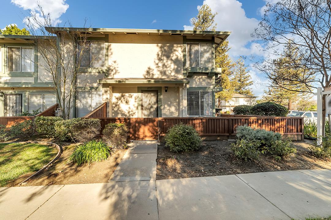 Detail Gallery Image 1 of 1 For 2737 Lone Bluff Way, San Jose,  CA 95111 - 1 Beds | 1 Baths