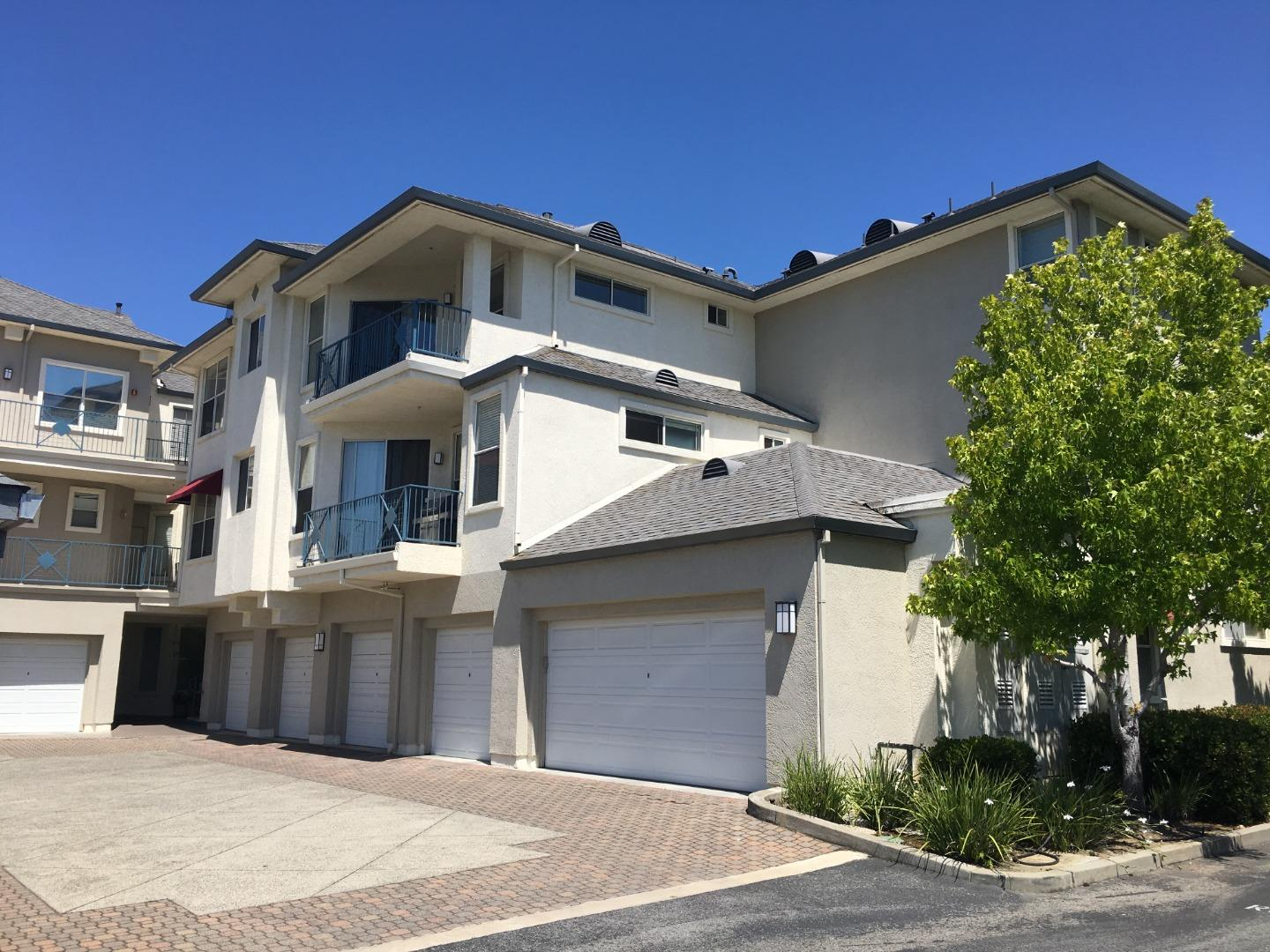 Detail Gallery Image 1 of 22 For 1000 Davit Ln #138,  Redwood City,  CA 94065 - 2 Beds | 1/1 Baths