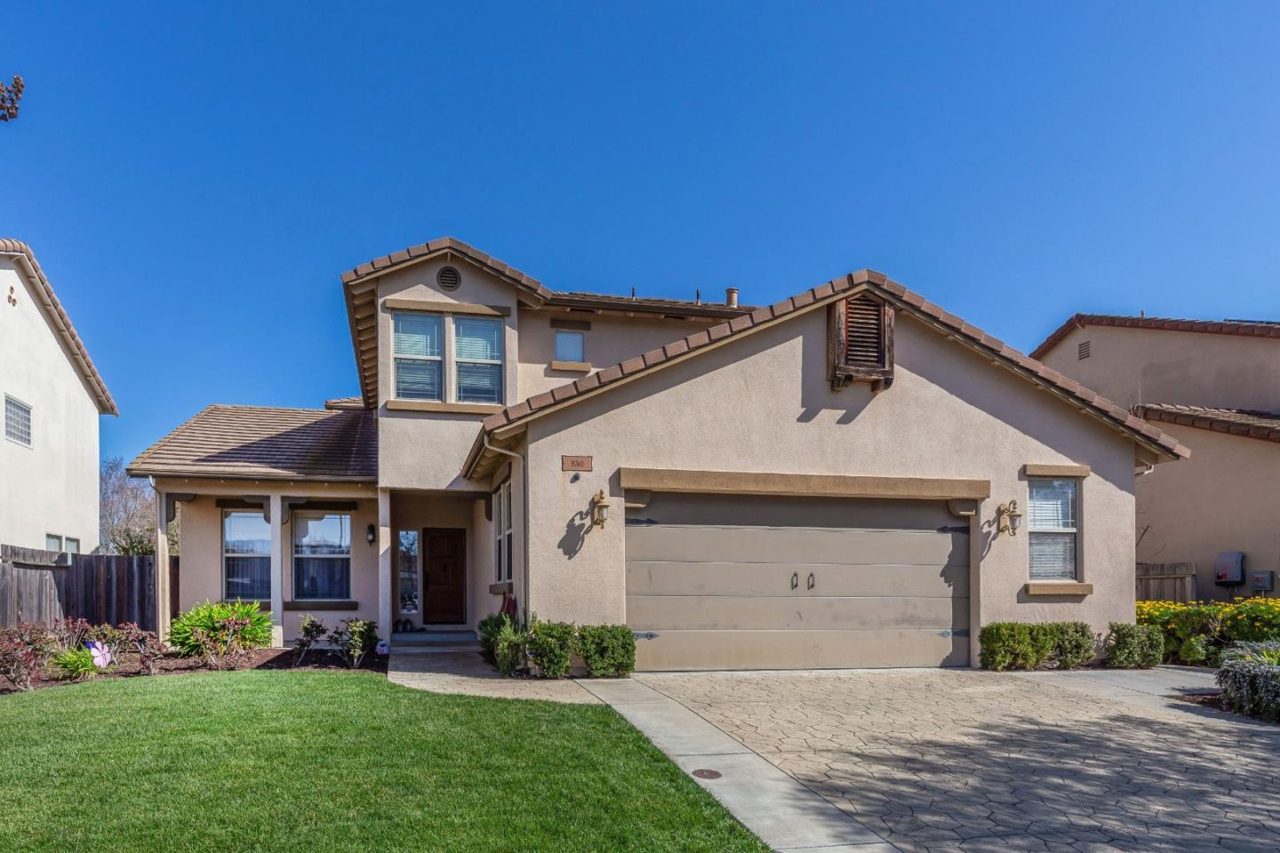 Detail Gallery Image 1 of 34 For 8760 Kern Ave, Gilroy,  CA 95020 - 5 Beds   3 Baths