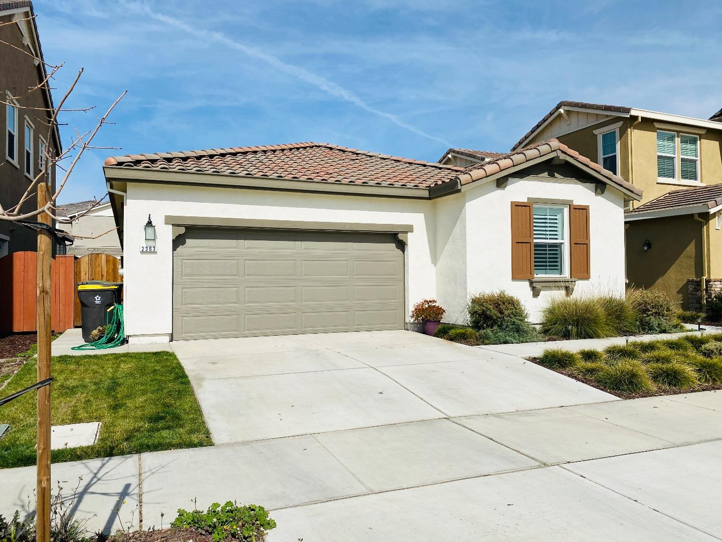 Detail Gallery Image 1 of 28 For 2363 Marina Dr, Lathrop,  CA 95330 - 3 Beds   2 Baths